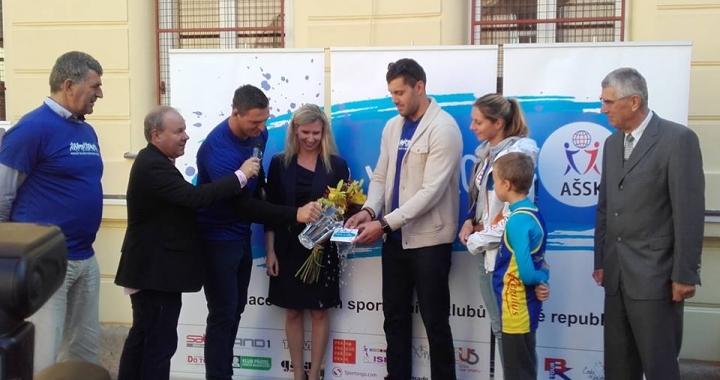 Krpálek, Dostál a další borci pokřtili hymnu Sportuj ve škole