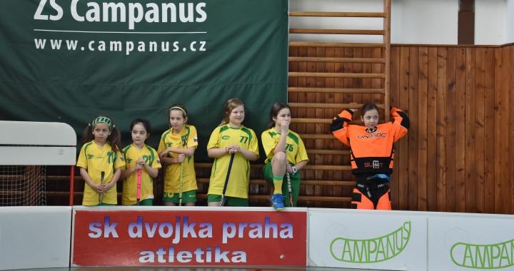 V republikovém finále Sportovní ligy ve florbalu budou žáci z pořadatelské školy místo výuky dva dny fandit!