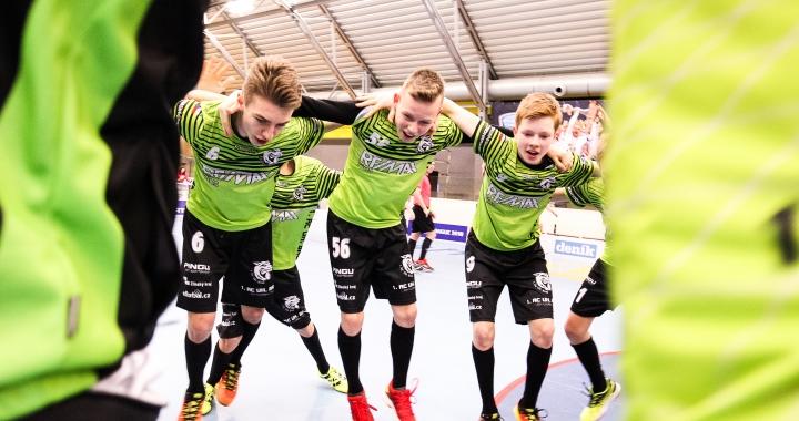 Finále Sportovní ligy ZŠ ve florbalu ovládl tým dívek z Mladé Boleslavi a chlapců z Uherského Brodu