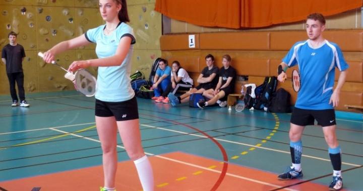 Republikové finále v badmintonu středních škol ovládlo Podkrušnohorské gymnázium Most