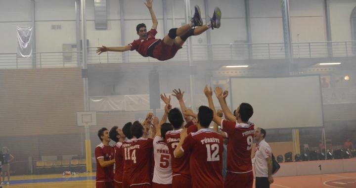 Ohlédnutí za světovými školními volejbalovými bitvami v Brně