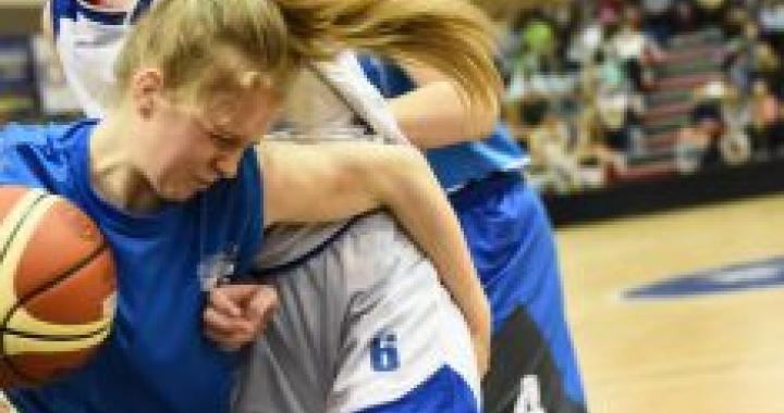 Na republikové finále v basketbalu vyšle základní škola z Opavy tým vlastních fanoušků