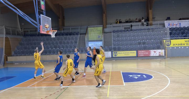 Z postupu na MS škol v basketbalu se radují chlapci z Písku a dívky z Brna