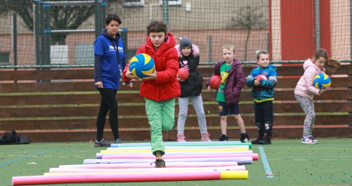 Sportovní lekce v družinách se rozšíří na tisíc základních škol