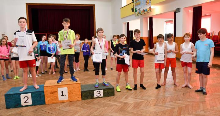 V Nýrsku soutěžili školáci a školačky ve sportovní gymnastice